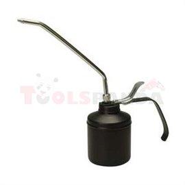Инструмент за масляване с дюза, обем 500мл и дължина на дюзата 225мм