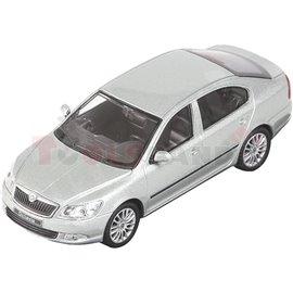 Макет на кола сива Skoda Octavia facelift 2008 1:43 14г.